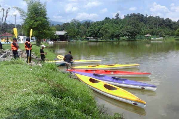 kayak144AD451-8155-C56C-DC2D-CC0390BD3A81.jpg